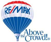 RE/MAX PROPERTIES Logo